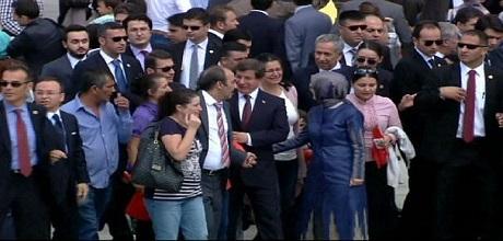 49 rehinenin serbest bırakılması konusunda Ankara ve IŞİD arasında gizli anlaşma iddiası