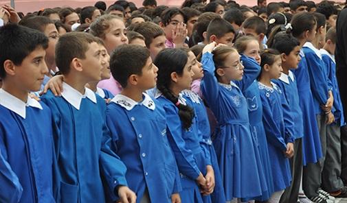 Yarın 16 milyon 400 bin öğrenci ve 873 bin öğretmen yarın ders başı yapacak.