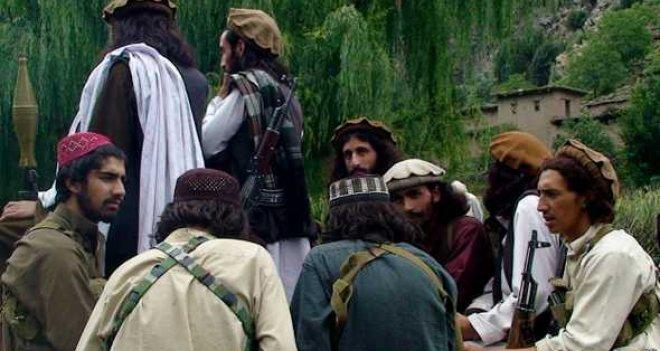 Taliban askeri üs bastı: 11 ölü, 12 rehine