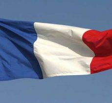 Fransa'da Nimes tren garı, silahlı bir şüpheli nedeniyle tahliye edildi