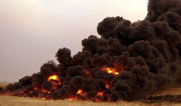 Musul'da terör örgütü DEAŞ'ın ateşe verdiği 16 petrol kuyusu söndürüldü