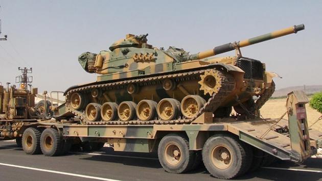 Kilis'e askeri sevkiyat yapıldı