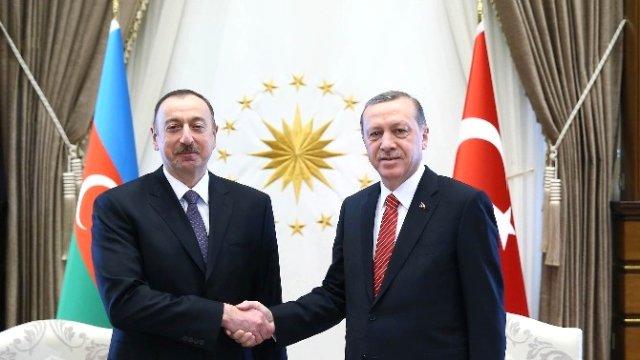 Aliyev'in yardımcısı: Azerice Türkçe dili karşısında korunmalı