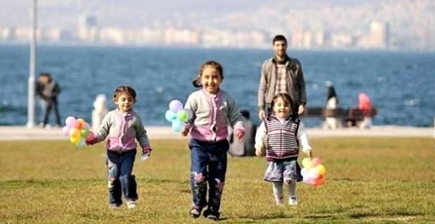 Milli Eğitim Bakanı Yılmaz: 17 Nisan'da okullar tatil