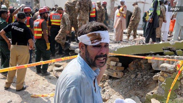 Pakistan'da bomba yüklü araçla saldırı! En az 25 ölü…