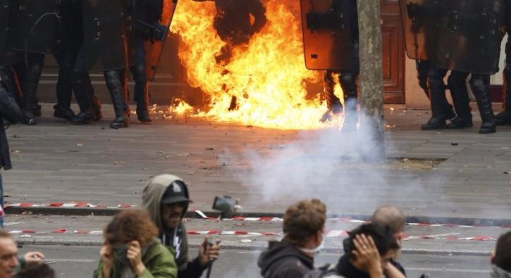 Paris'te patlama: 3'ü ağır 20 yaralı