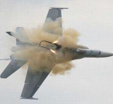 Suriye, israile ait bir uçağı ve fırlatılan füzeleri imha ettiğini açıkladı