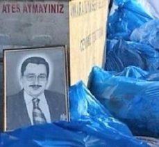 Melih Gökçek'in portresini çöpe attılar
